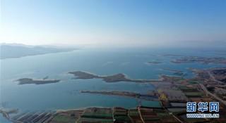 (社会)(2)俯瞰南水北调中线工程渠首:一渠清水润京津