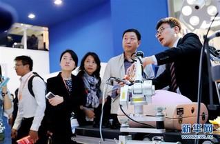 (经济)(2)中国国际医疗器械博览会在沪开幕