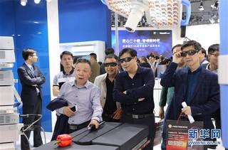 (经济)(6)中国国际医疗器械博览会在沪开幕