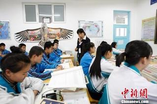 """河北援疆教师:""""沙漠边城""""的17年坚守(图)"""