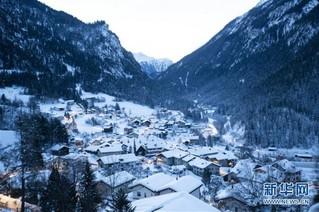 (国际)(1)瑞士山村清晨