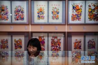(XHDW)(1)澳门举办山西省和湖南省年画艺术展