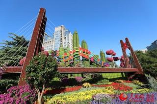 高清组图:长安街12处立体花坛亮相 京城国庆气氛渐浓