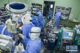 (聚焦疫情防控)(1)73天ECMO辅助治疗的新冠肺炎核酸转阴患者经双肺移植后重启呼吸