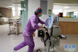 (社会)(4)护士节前,走近男护士
