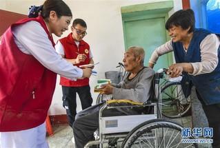 (社会)(2)为优抚老人上门送健康
