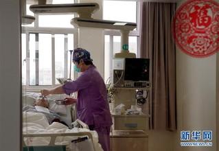 (社会)(3)护士节前,走近男护士