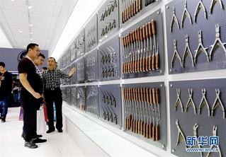 (经济)(3)中国国际医疗器械博览会在沪开幕