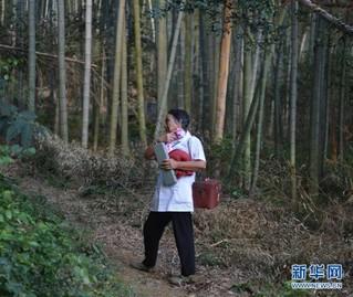 (图片故事)(9)山村女医生高银水:在平凡的岗位上默默奉献