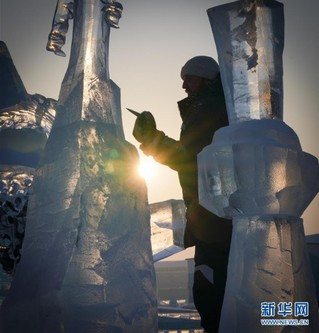 """(社会)(5)严寒中的""""冰雪造梦者"""""""