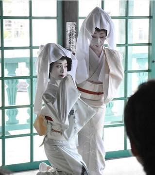 日本长崎利用艺伎传统艺术吸引游客