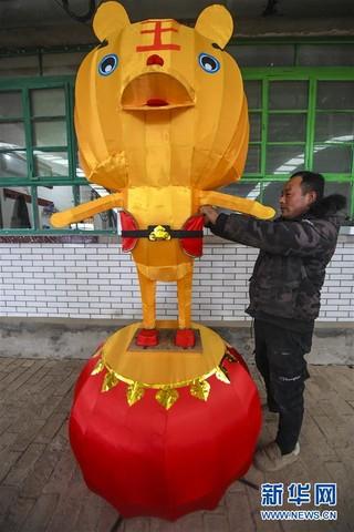 (经济)(5)河北永清:扎灯笼 迎新年
