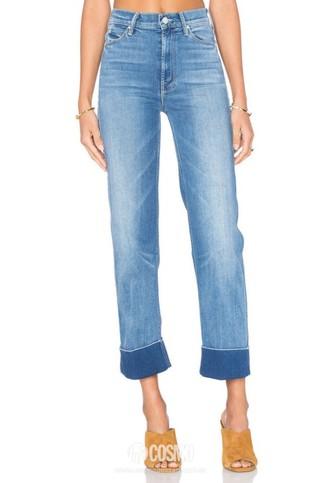 牛仔裤来自Mother 售价1562元 可从美国Revolve购买