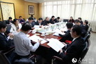 海南省人大代表分组审议《政府工作报告》
