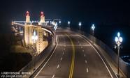 南京长江大桥整体亮灯展露新颜