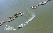 """仙女湖水位下降 明代古桥""""浮""""出水面"""