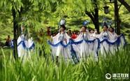 杭州:旗袍快闪亮相太子湾