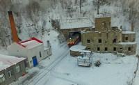 南兴安岭隧道地处高寒山区,冬季雪厚风大气温低,自然环境十分恶劣。