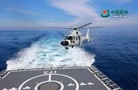 直升机着舰训练。周启青 摄