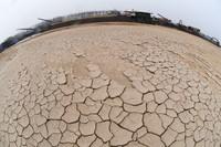 2月20日,湘江湘阴段主航道部分河床因枯水而裸露。  新华社记者 龙弘涛 摄