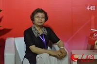 浦华环保股份有限公司副总裁曲颂华在接受人民网专访 人民网初梓瑞摄
