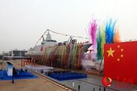 海军新型驱逐舰首舰下水仪式今天上午在上海江南造船(集团)有限责任公司举行。