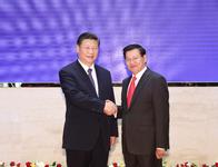 习近平会见老挝总理通伦:双方要继续保持高层接触