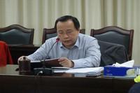 农场公司党委书记、董事长何传经传达会议精神