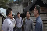 铁刚一行在东方市板桥镇中沙村调研