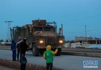 3月16日,土耳其军车进入叙利亚阿夫林城区附近。