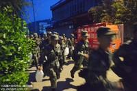4月18日,部队官兵快速集结赶赴火灾现场。