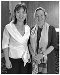 本文作者与联合国贸法会秘书长Anna Joubin-Bret女士(右)。