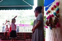 """海南琼大生态幼儿园2017届""""毕业生""""返校向老师敬礼谢师恩。"""