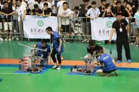 全国大学生机器人大赛比赛现场。曾俊皓/摄