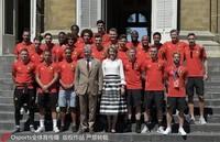比利时队接受国王接见