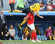 俄罗斯世界杯三四名决赛,比利时对阵英国,球员托马斯·费尔马伦和哈里·凯恩。