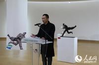 中国雕塑家崔宇致辞。(吴丹 摄)
