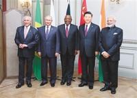 习近平出席金砖国家领导人非正式会晤要闻