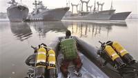 """俄""""战斗蛙人""""负责从海上和陆地保卫海军舰艇安全"""