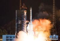 """3月10日凌晨,我国在西昌卫星发射中心用长征三号乙运载火箭,成功将""""中星6C""""卫星发射升空。 新华社发(郭文彬 摄)"""