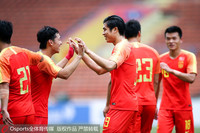国奥队庆祝进球