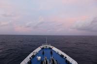 6月25日,远望3号船完成海上测控任务后踏上归程。新华社记者 刘诗平 摄