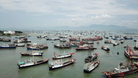 渔港里的渔船准备出海(8月16日无人机拍摄)。