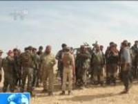 土耳其对叙北部库武发动军事打击:土耳其军队向叙重镇曼比季进发