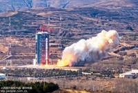 11月3日11时22分,我国在太原卫星发射中心用长征四号乙运载火箭,成功发射高分七号卫星。(邸明/人民图片)