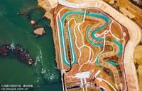11月19日,航拍镜头下的江西省吉安市新干县三湖航电枢纽工程仿自然生态鱼道工程鱼类产卵繁殖的仿河床生态段全貌。