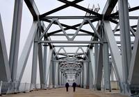 施工中的郑济高铁郑州黄河特大桥(3月8日摄)。