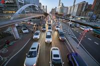3月10日,北京晚高峰车流量有所回升,国贸桥、学院路等地堵车明显。