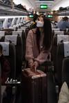 2020年3月28日,旅客在南京南站乘坐途经停靠武汉站的G579次列车。