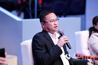 华润江中市场部总经理王家清在北京会场通过视频连线的方式参与圆桌论坛。(人民网 时雨/摄)